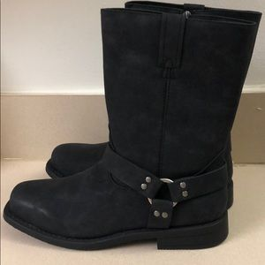 Brand New Frye Boots size 7y/8.5wmns w/o box